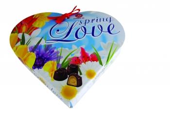 Пролетна любов